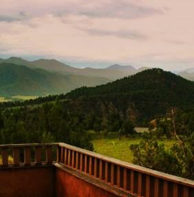 La imagen tiene un atributo ALT vacío; su nombre de archivo es terraza.jpg
